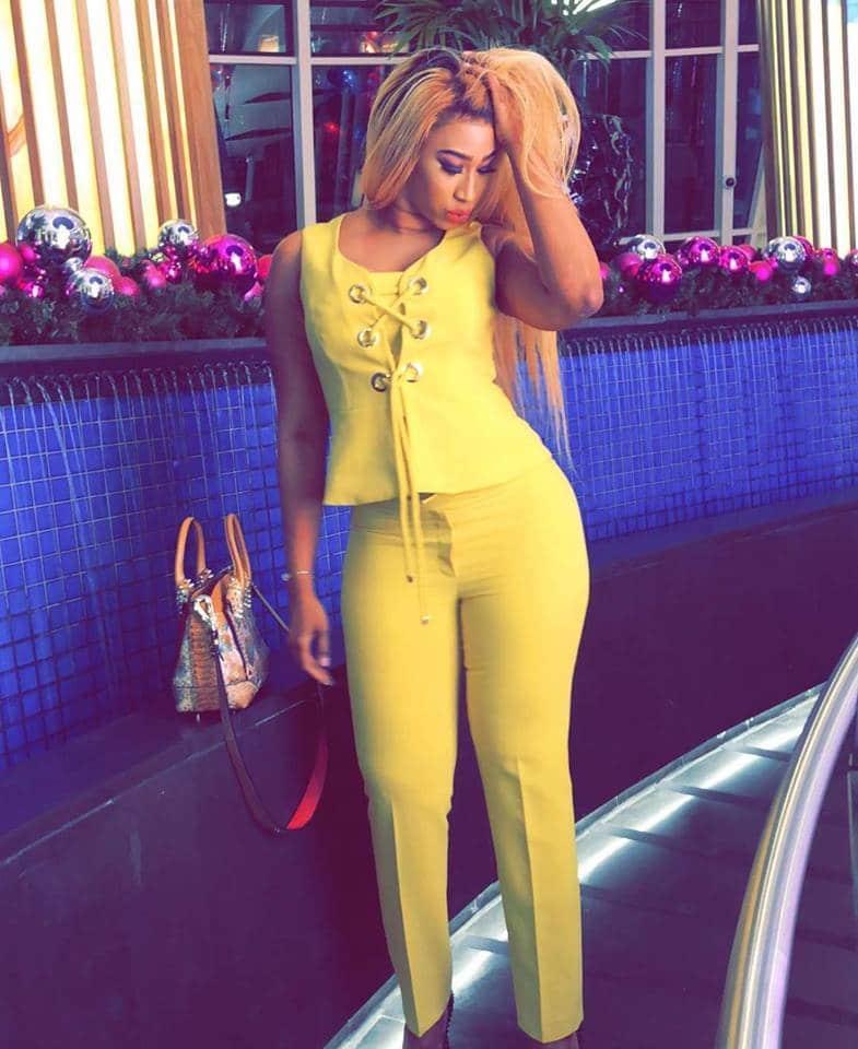 (Photos) Diaba Sora, la Kim Kardashian du Mali exposes ses belles rondeurs