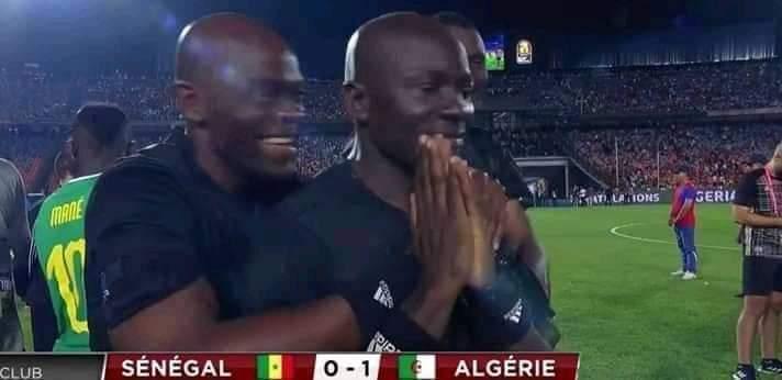 Les Arbitres Jubilent Après La Victoire De LAlgérie2