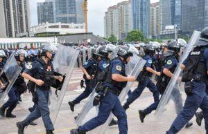 Policiers Chinois Hk