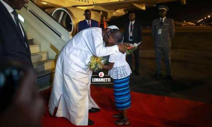Arrivée De Macky Sall À Ouagadougou Sommet Cedeao 2