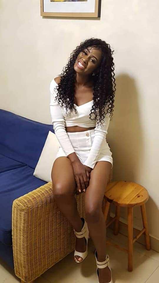 Queen Biz N Mode Relax Dans Sa Tenue Aguicheuse4