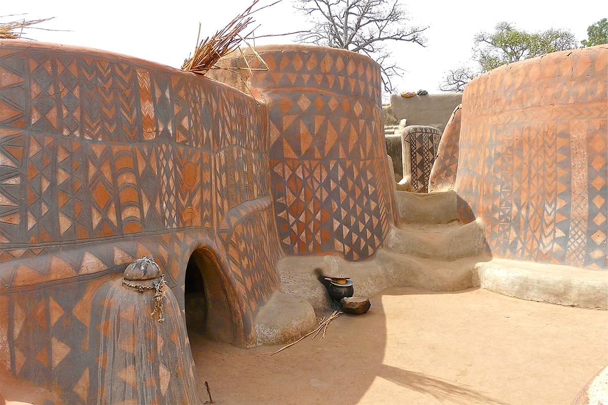 Les Jolies Cases Decorees Du Village De Tiebele Peuple Par Les Kassena Au Burkina Faso 18
