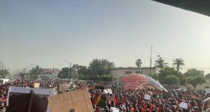 Marche Guineens Dakar 00