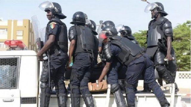 Police Senegal 696x392
