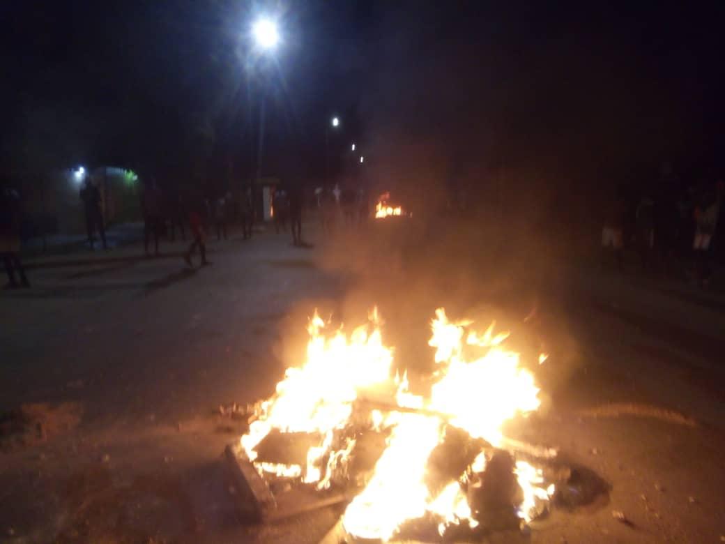 Levée du couvre-feu à Ziguinchor : les jeunes en furie affrontent les forces de l'ordre