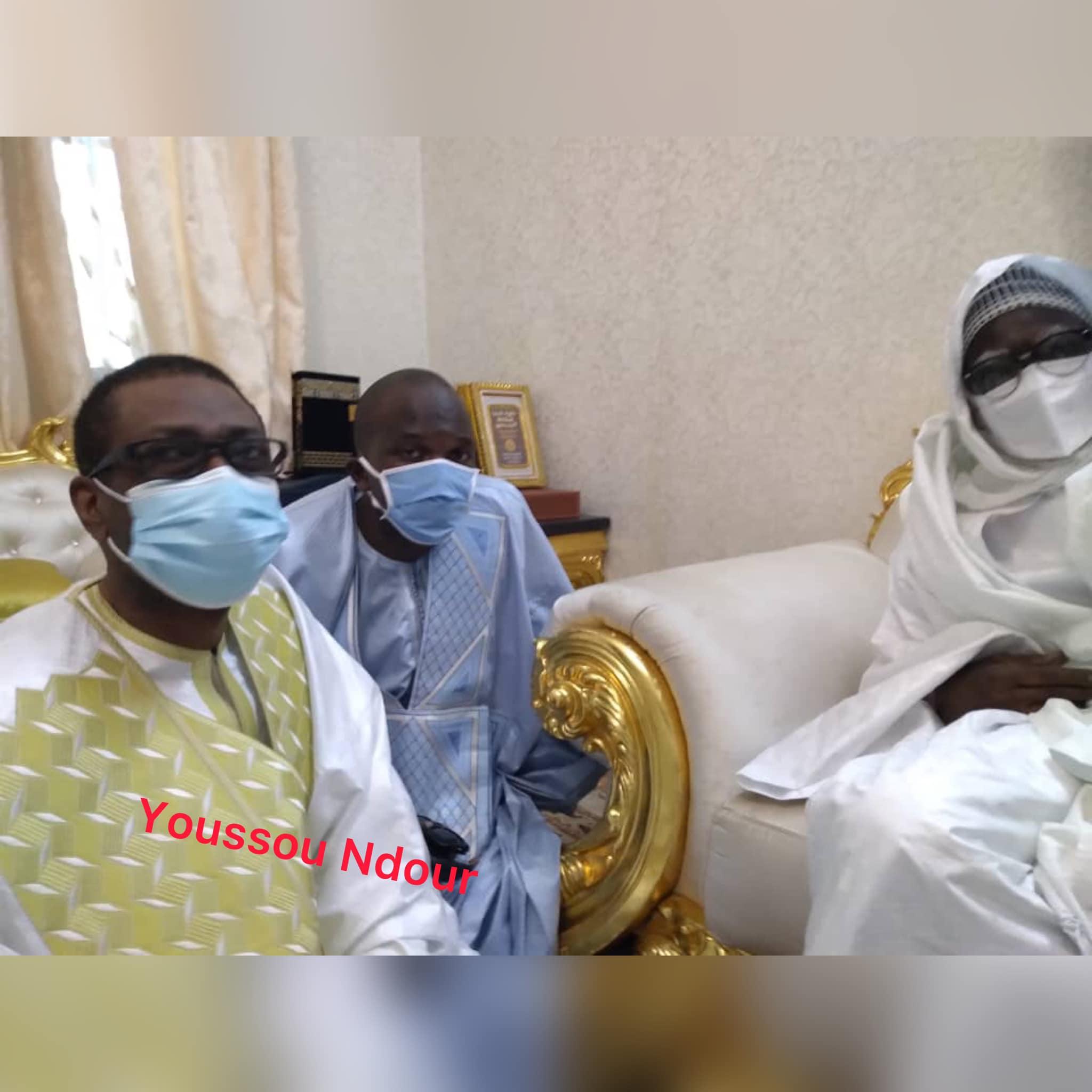 Photos: Youssou Ndour chez le Khalif général des Mourides