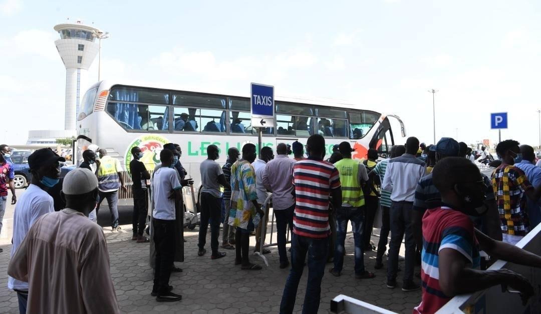 Photos: Arrivée des Lions à L'AIDB