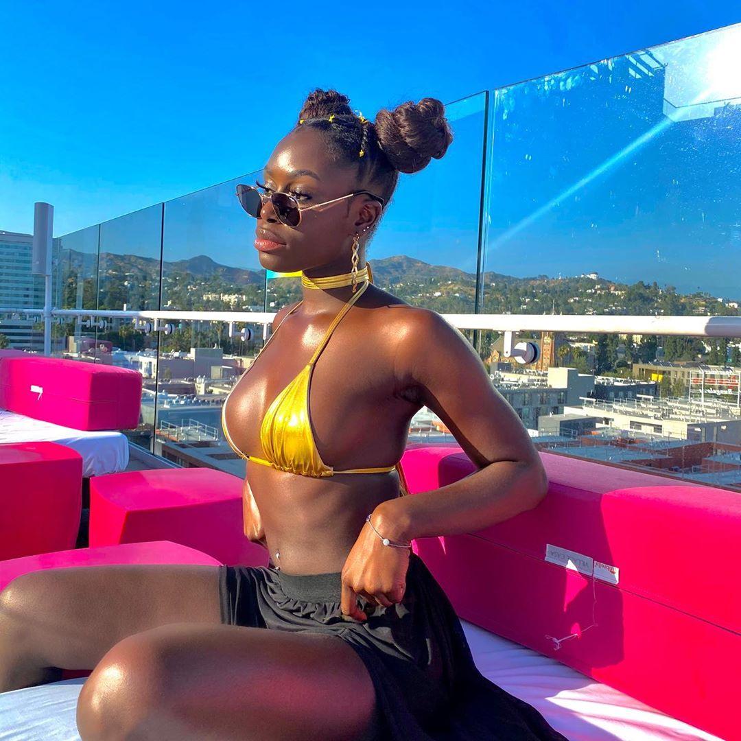 (17 Photos)Tenues aguicheuses, Diarra Sylla « Sen Petit Gallé » enflamme la toile