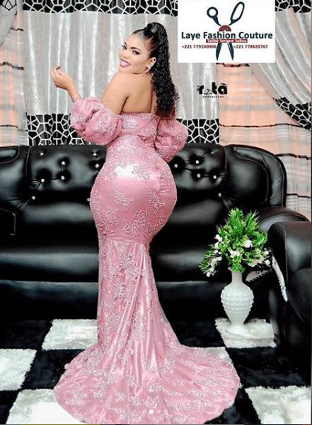 (07 Photos): Big maman de la série mœurs s'affile en Jongoma dans une robe à couper le souffle