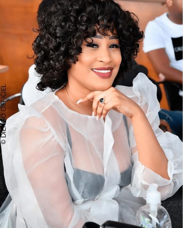 (Photos) Fin d'Année: Le beau message de l'actrice Esther Ndiaye