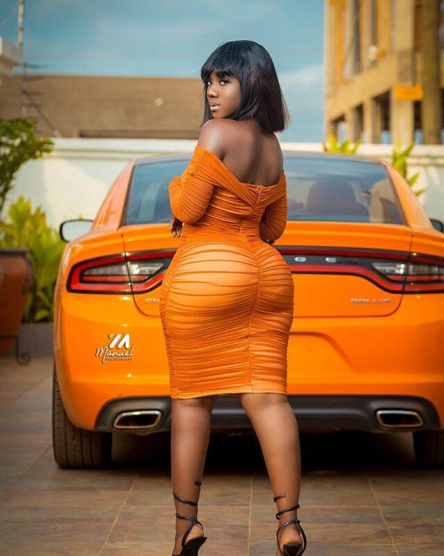 (Photos) Hajia Bintu, la starlette ghanéenne qui perturbe la toile