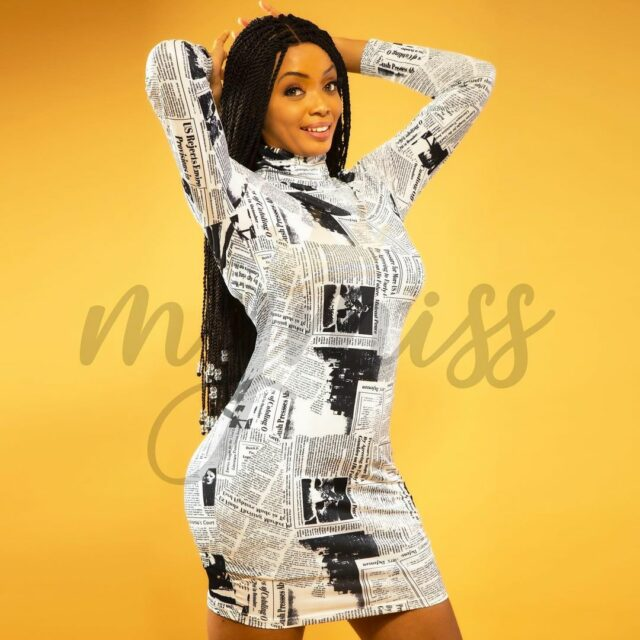Photos – Miss Touré enchante les internautes avec ses petites robes colorées
