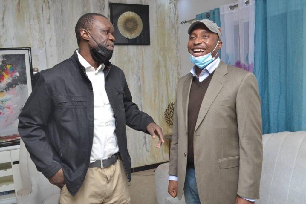 (Photos) Barthelemy chez Sonko : Tu ne seras pas Seul dans ce combat…