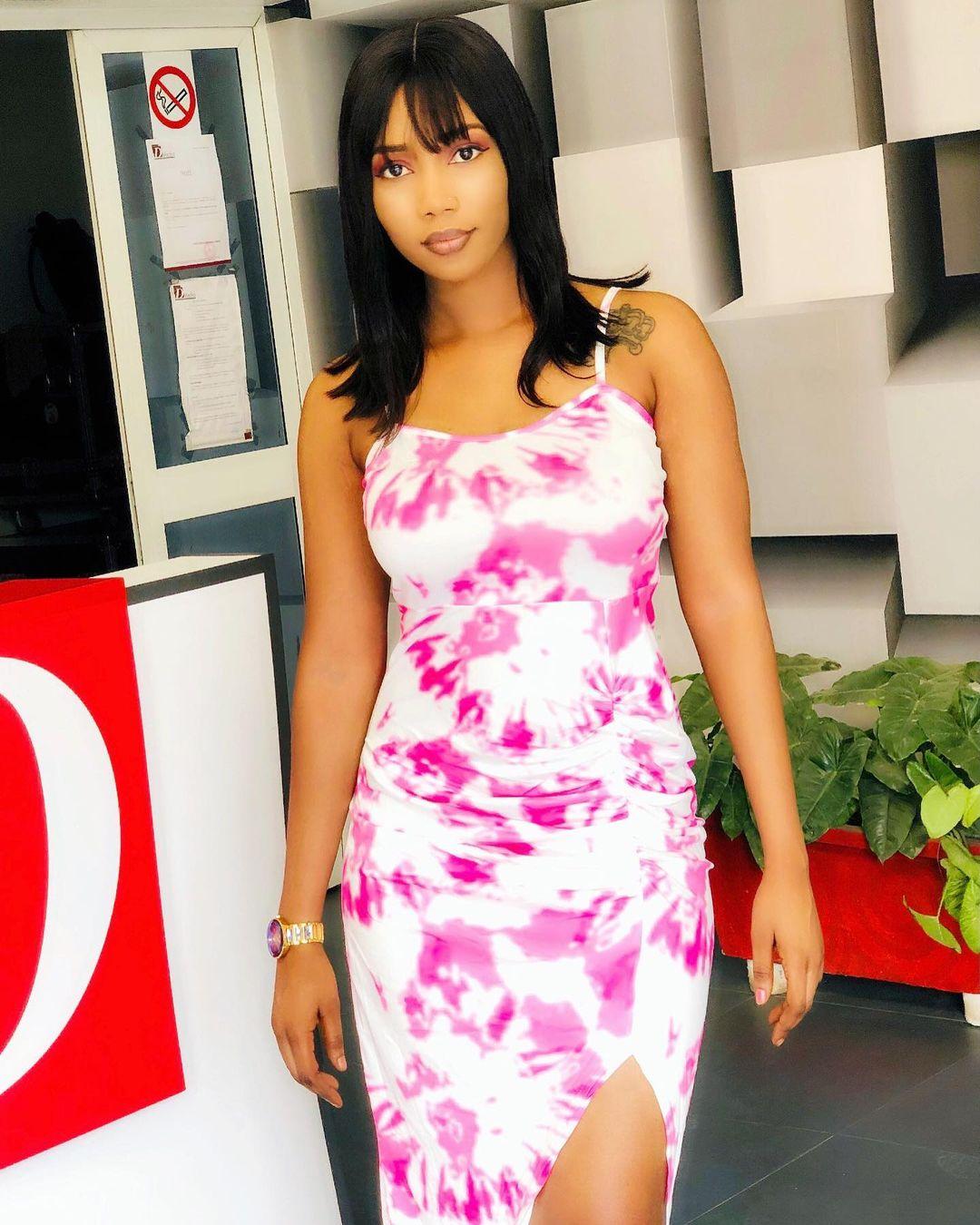 Photos – Nana Aïdara gâte ses fans avec des clichés ultra sensuels