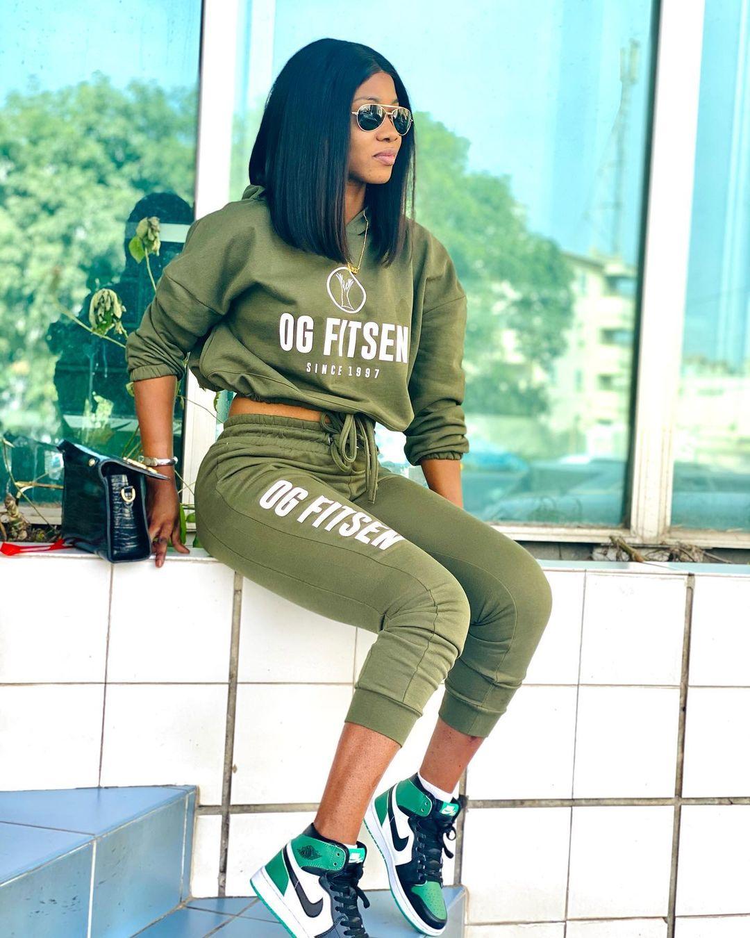 (10 Photos) Fatima Sylla de la 2stv se dévoile en mode Swagg Girl