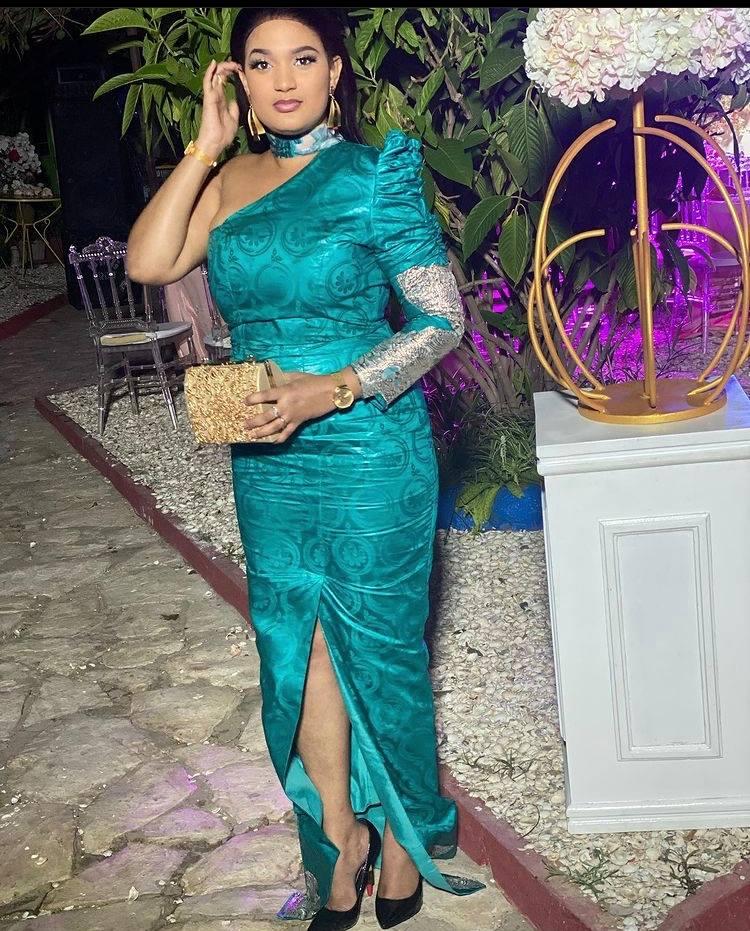 """(Photos) Carole Valerie Andrade alias Eva « Pod et Marichou » dévoile toute sa splendeur en """"Sagnsé"""" traditionnel"""