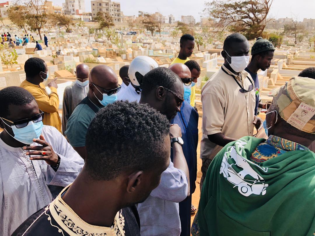 (Photos) Inhumation : Les tristes images du dernier adieu à la mère de Khalifa Sall