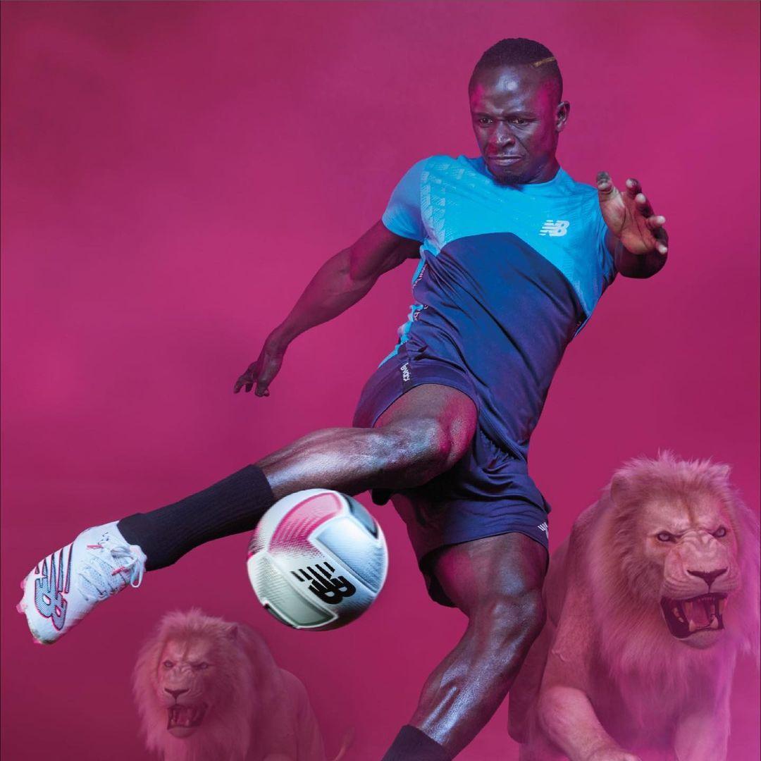 (03 Photos) – Sadio Mané dévoile ses nouveaux crampons